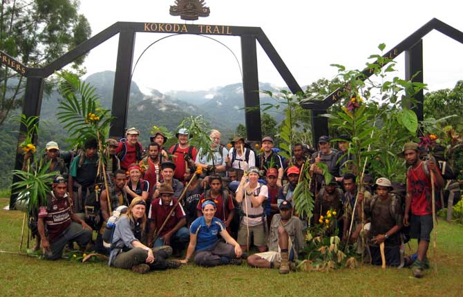 trek-crew-kokoda-team-interaction
