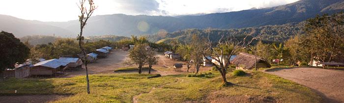 Naduri Village. Resident population approx 250. Kagi Village on the opposite ridge.